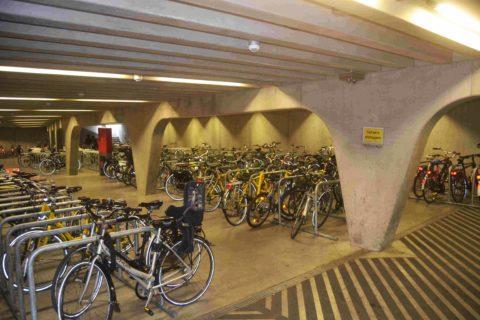 fahrradparkhaus_gent_foto_dirkfellinghauer