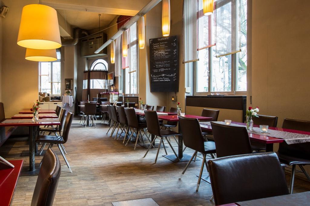 2 zimmer kuche bar wiesbaden for Kuche restaurant