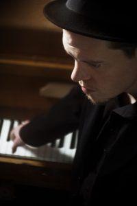 Chanson Trifft Songwriter Werkstatt Session Bei Petroll Am 12