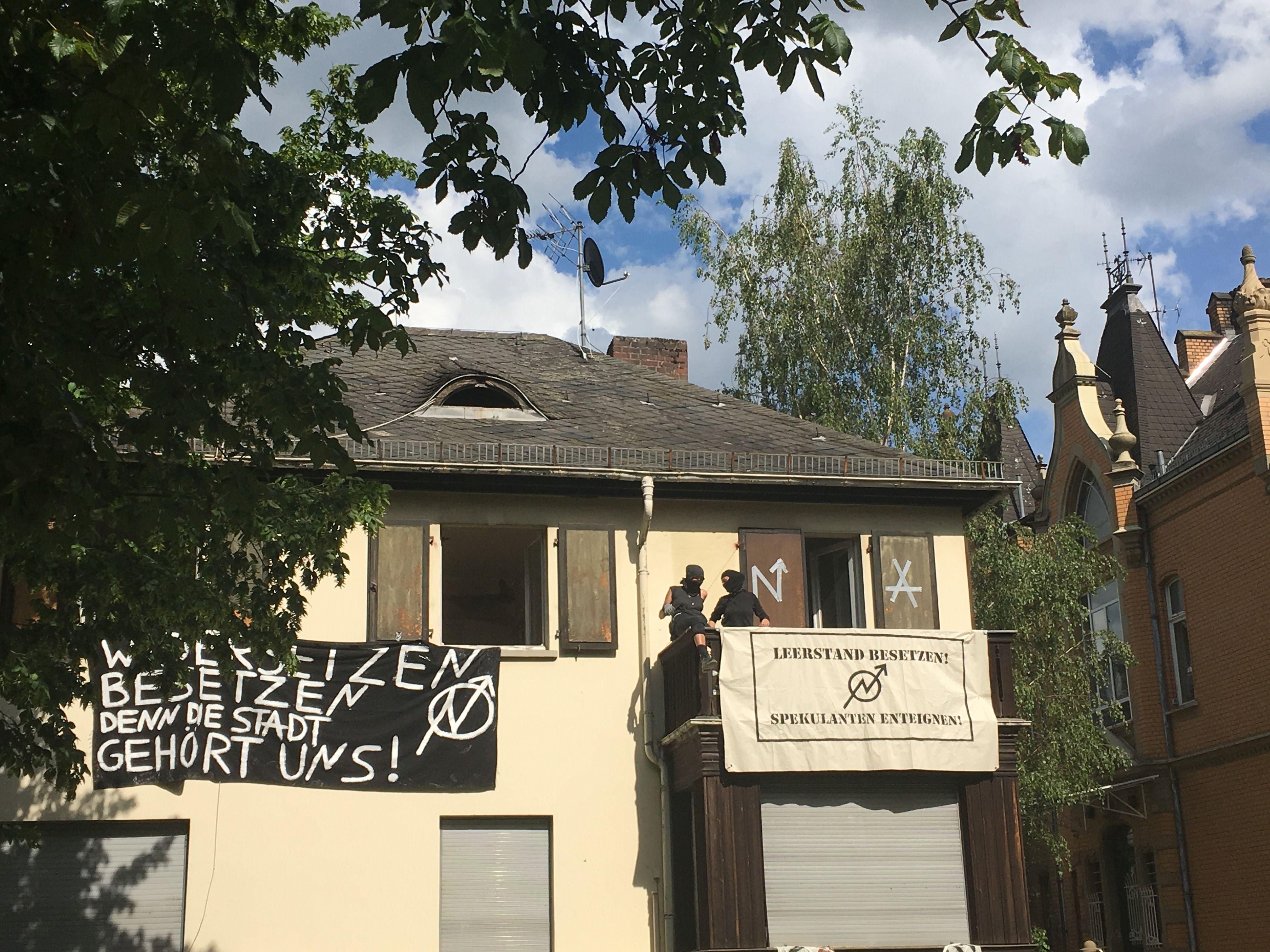 Hausbesetzung Am Landeshaus Aufruf Zur Solidaritäts Mahnwache